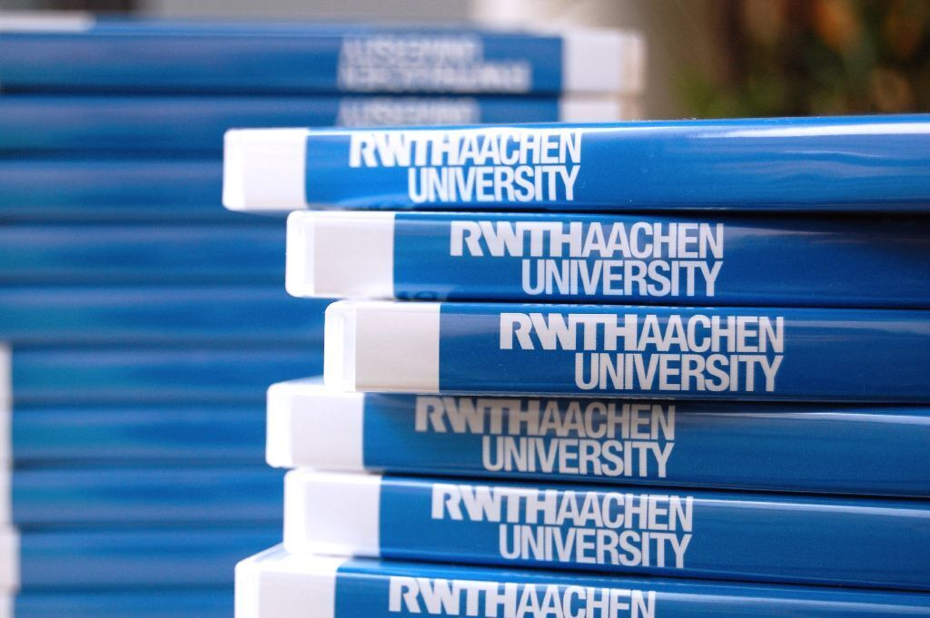 DVDs with RWTH logo