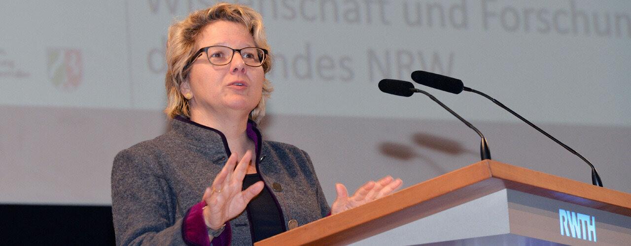 RWTH AACHEN UNIVERSITY - Rheinisch-Westfaelische ...